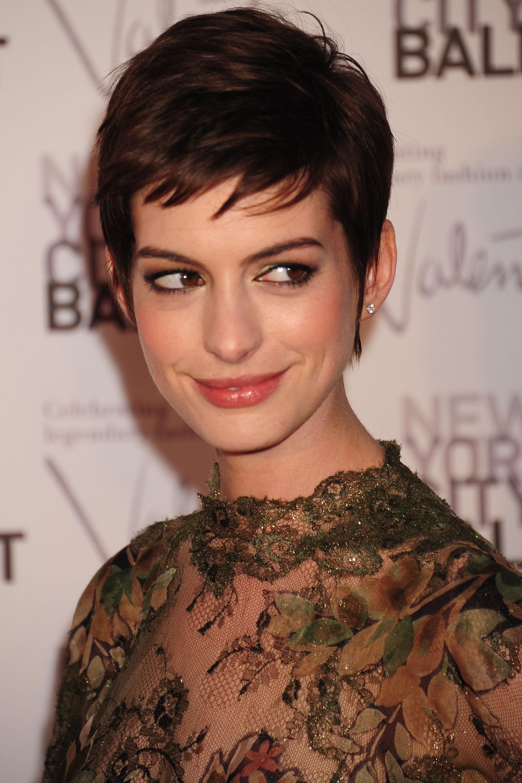 Anne Hathaway Celebrities In Disgrace